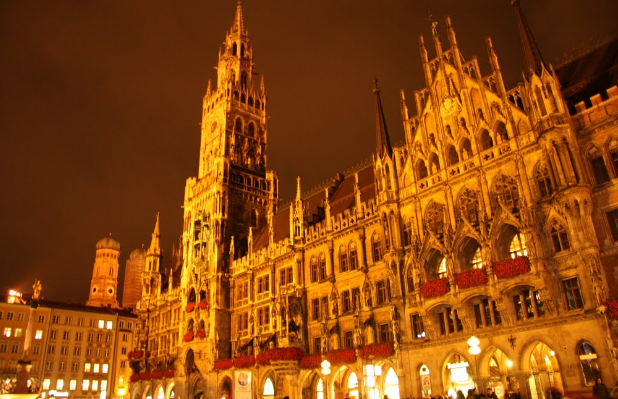 Enjoy a day on the Marienplatz after a luxury business class flight. - IFlyFirstClass