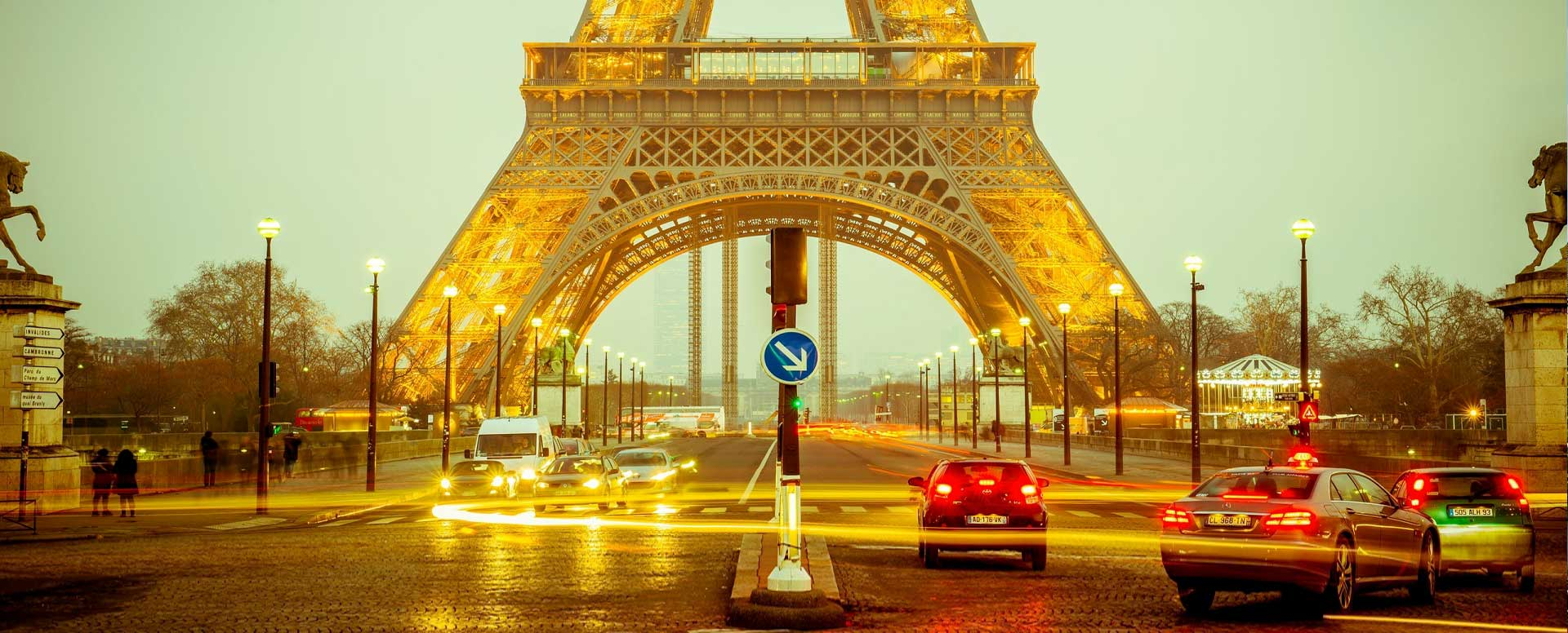 Discounted flight tickets from New York to Paris - IFlyFirstClass