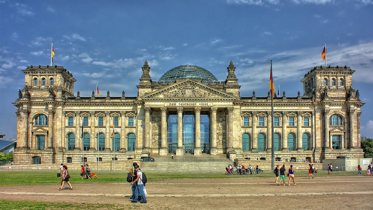 First Class Views on Tap at the Reichstag - IFlyFirstClass