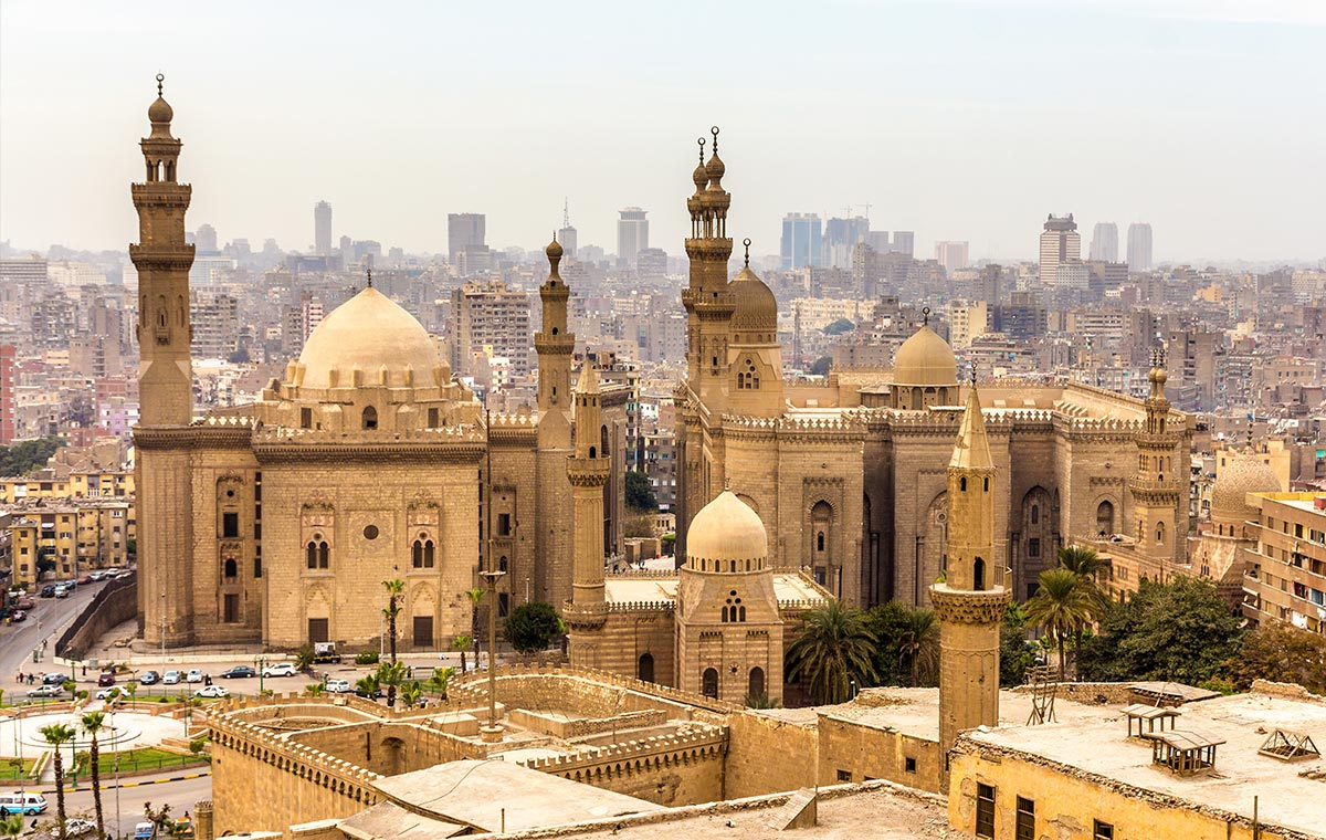 Business class deals to Cairo let you indulge in modern amenities so you can experience ancient history in Islamic Cairo. - IFlyFirstClass