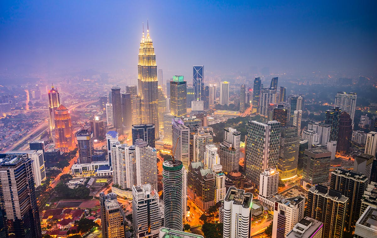 Relish the lush glamor of Kuala Lumpur with last minute first class seats. - IFlyFirstClass