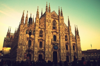 First Class Airline Tickets from New York to Milan - IFlyFirstClass